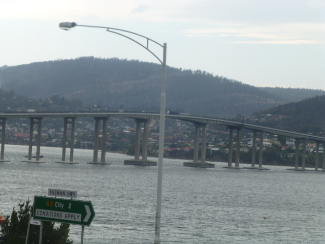 Tasman Bridge from the Bus