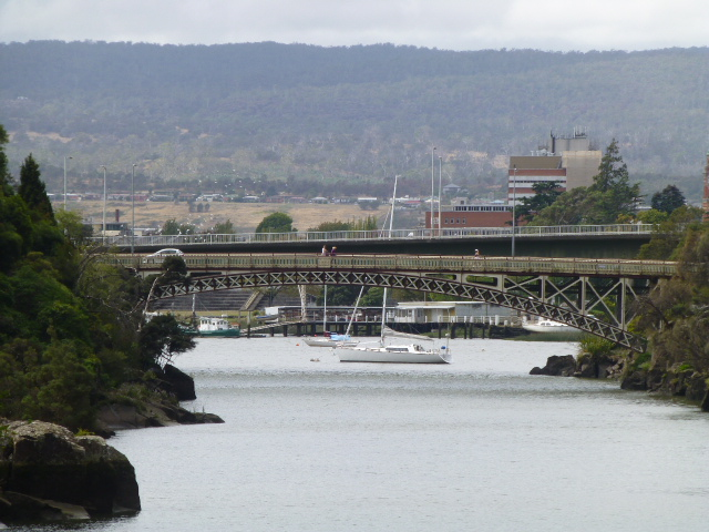 Kings Bridge in the Foreground