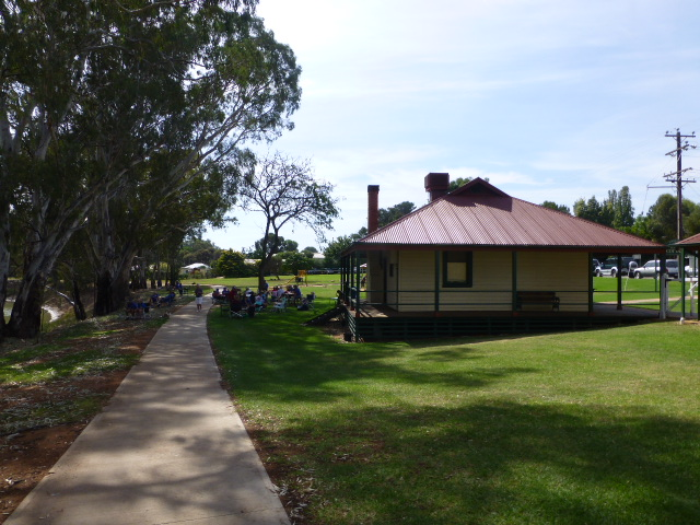 Bridge Keepers Cottage and Park at Tooleybuc