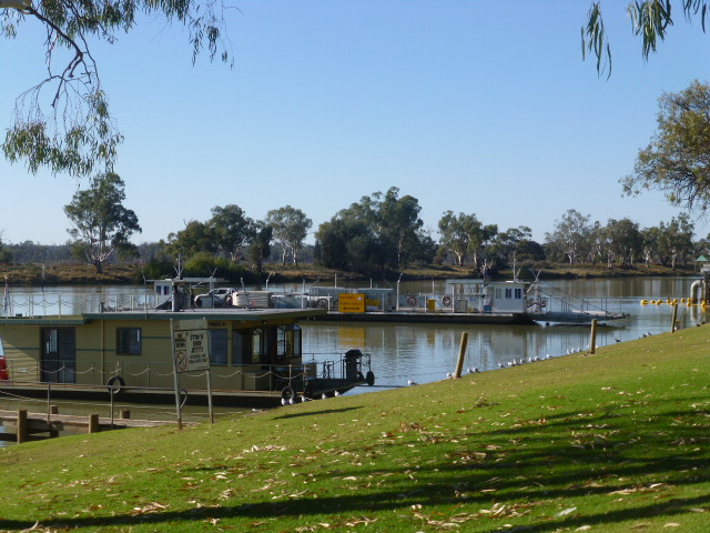 Cable Ferry at Waikerie