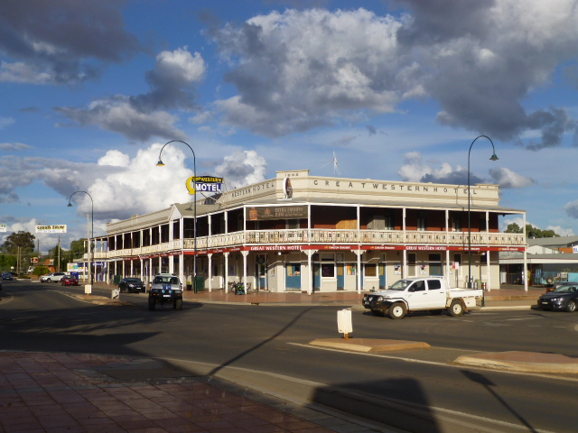 The Great Western Hotel in Cobar - said to have the longest pub verandah