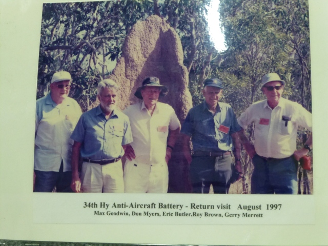 Returned servicemen on Horn Island