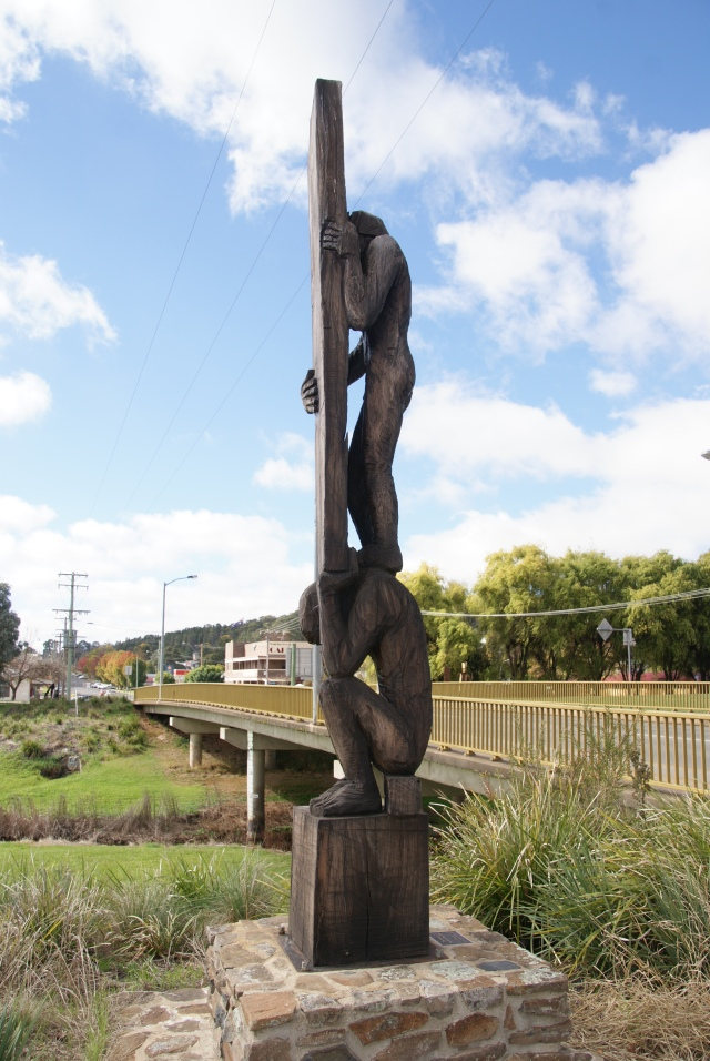 Wood sculpture in Walcha