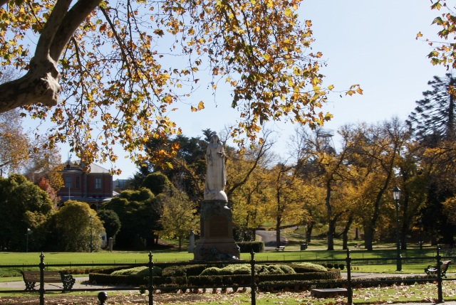 Statue in park in Bendigo