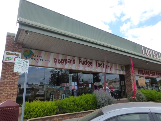 Poppa's Fudge Factory in Young - yum yum