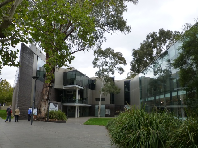 Art Gallery & Council offices at Wagga Wagga
