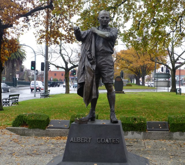 Statue of Albert Coates