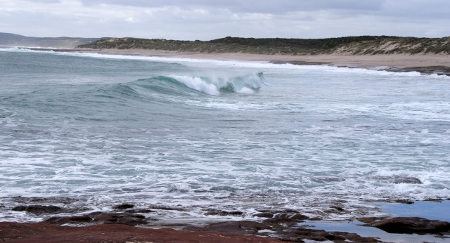 Waves breaking at the mouth of the Murchison River