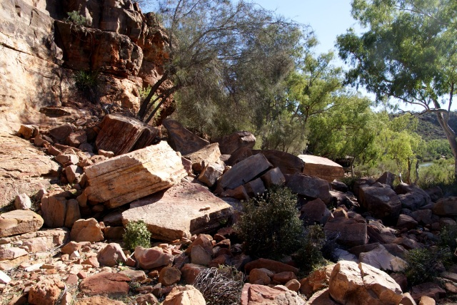 A fall of rock near the Murchison River below the Ross Graham Lookout