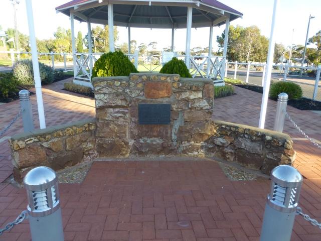 Memorial to the fallen in Memorial Park Norseman