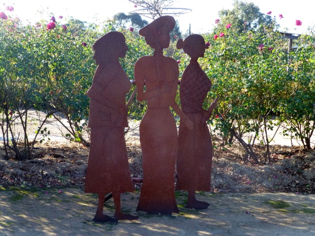 The three ladies of the Maze