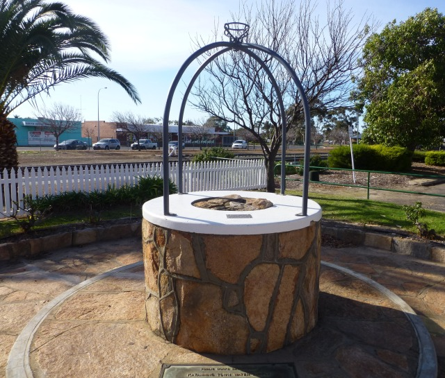 Monument to the first water supply to Katanning circa 1958