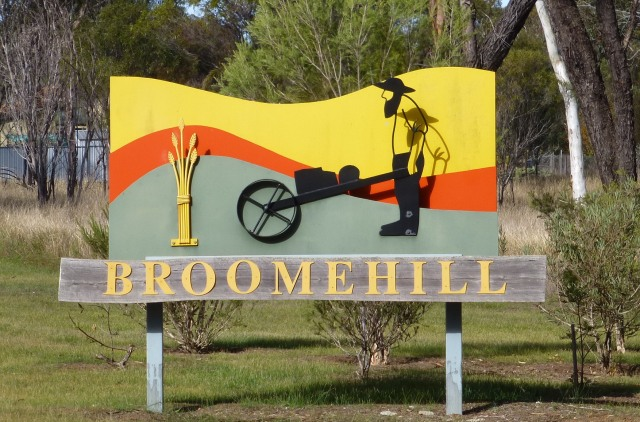 Town Entry Sign - Broomehill