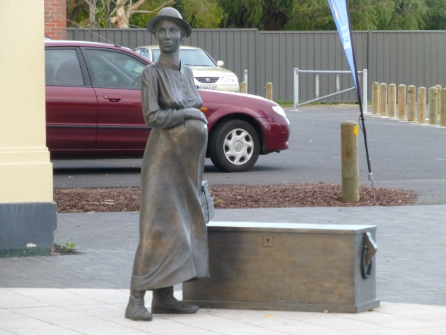 The Whaler's Wife Statue in Busselton
