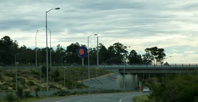 The entry to Mandurah from the freeway