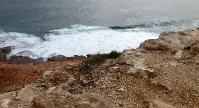 Waves below Red Bluff at Kalbarri