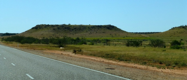 Low hills on the road to Carnarvon