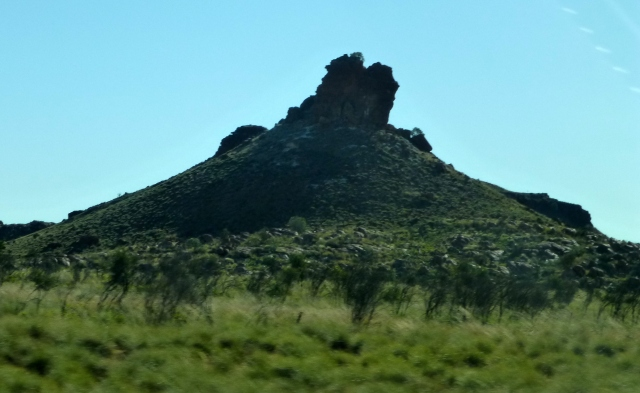Unusual rock formations near Marble Bar turnoff