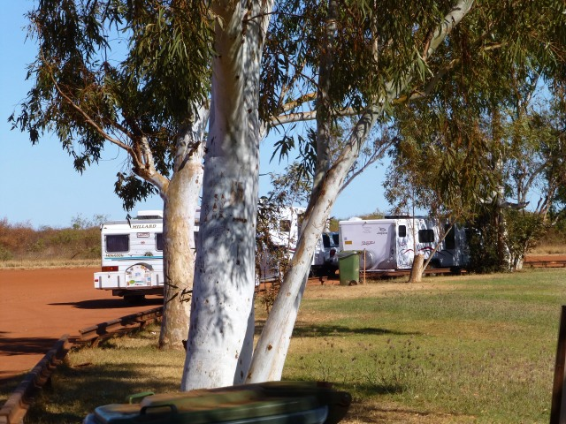 Other travelers at Pardoo